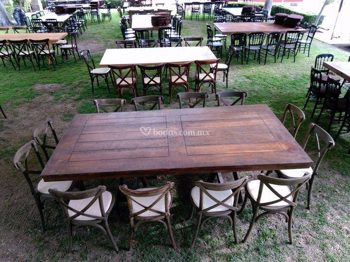 Mobiliario vintage milenio for Mesas vintage