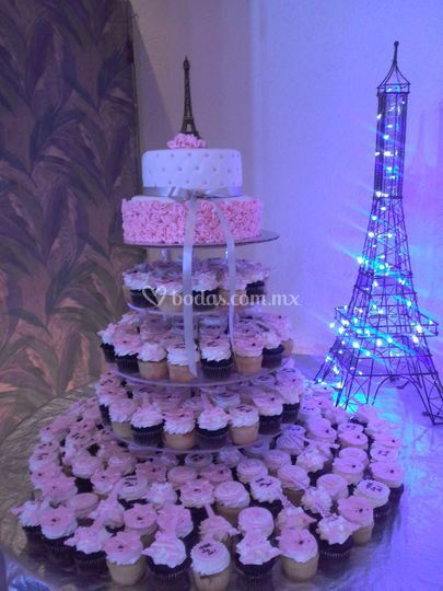 Pastel Paris De Cupcake By Jana Fotos