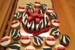 Pastel Cebra con cupcakes