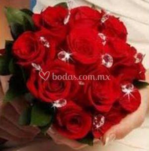 Ramo con rosas rojas