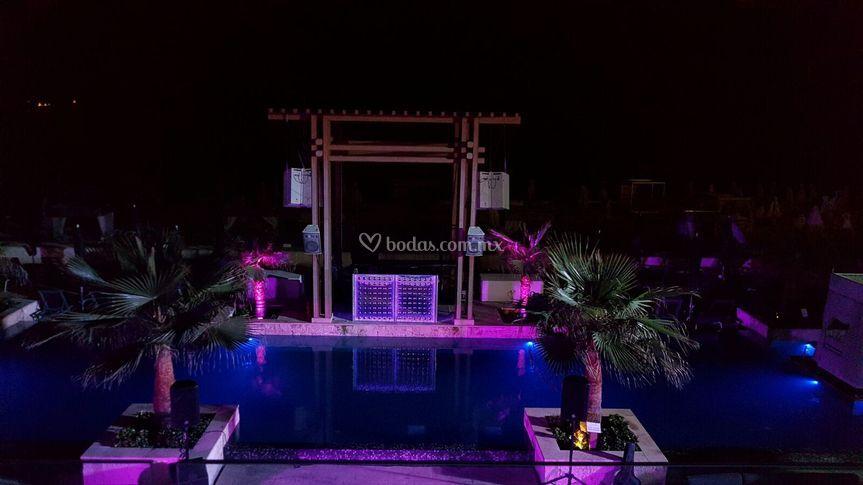Pool Party Mamitas Beach Club