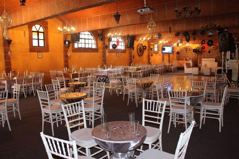 Montaje mesas de bar