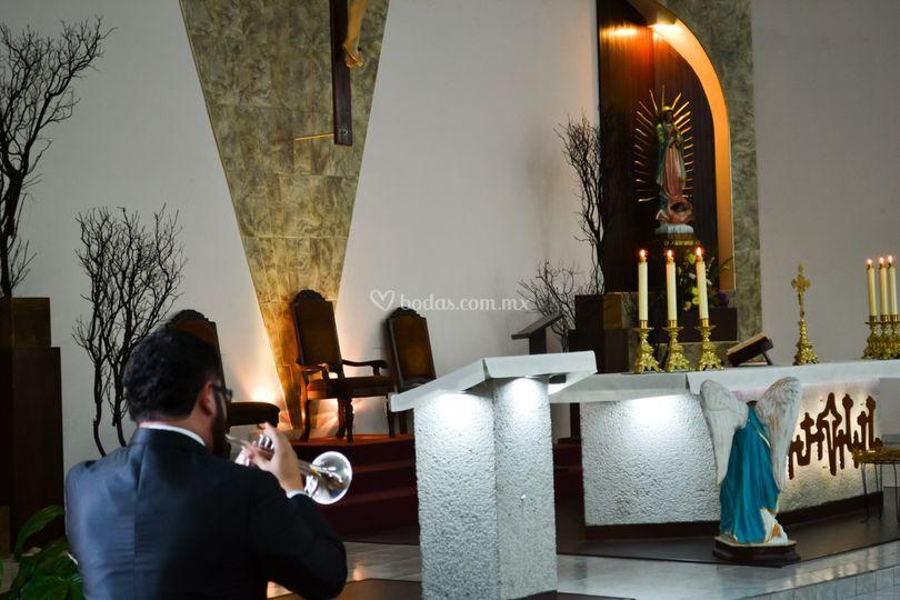 Ave María Misa