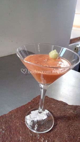 Gaspacho de tomate y cereza