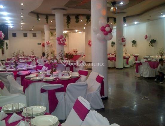 Banquetes amarilis for Acuario salon de fiestas