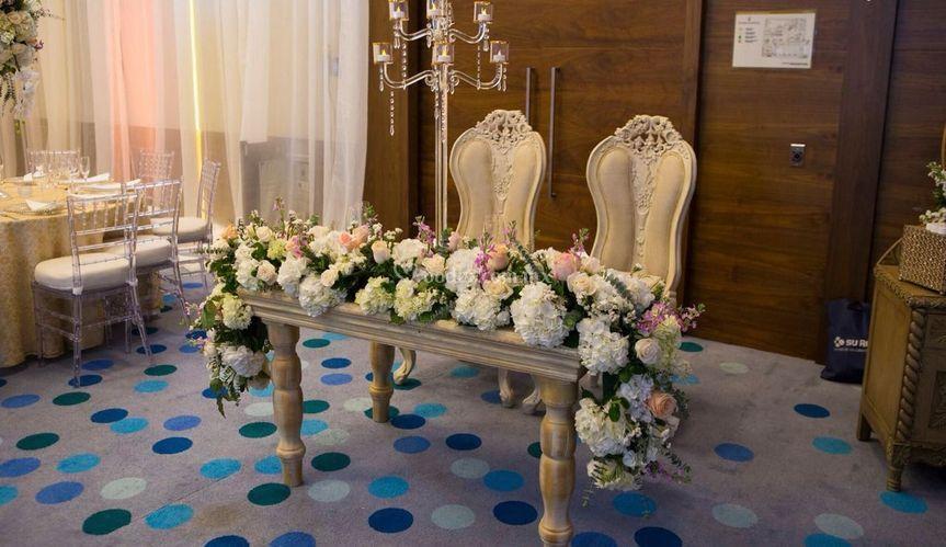 Espectacular mesa para novios