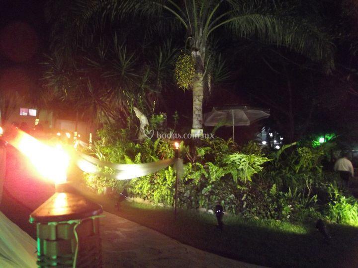 Iluminaci n de jard n de quinta el array n foto 53 - Iluminacion de jardines fotos ...