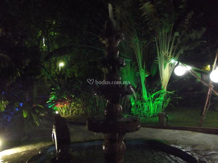Iluminaci n de jard n de quinta el array n foto 65 - Iluminacion de jardines fotos ...
