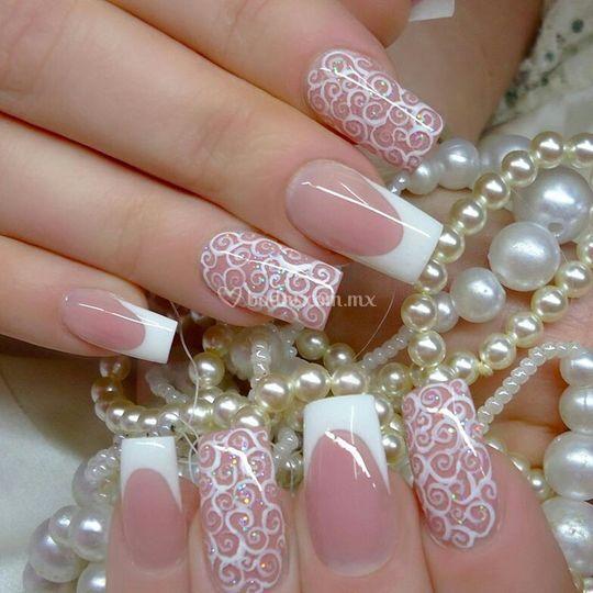 Brides nais by scissors