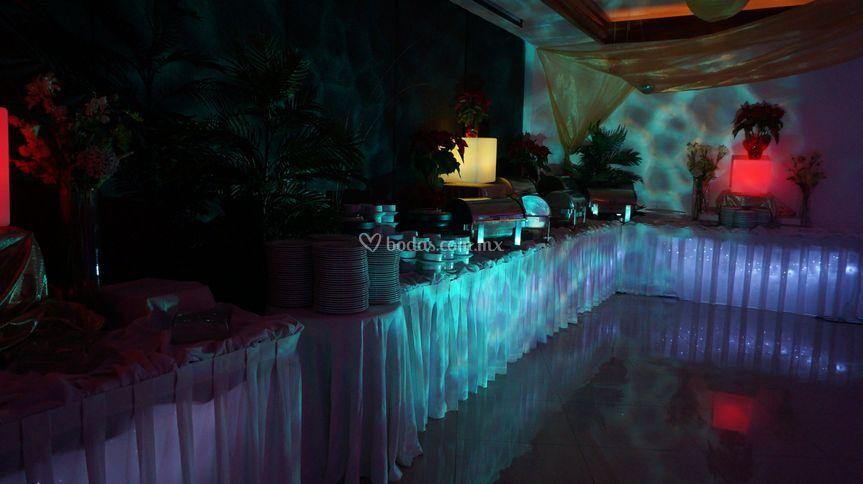 Linea buffet iluminada