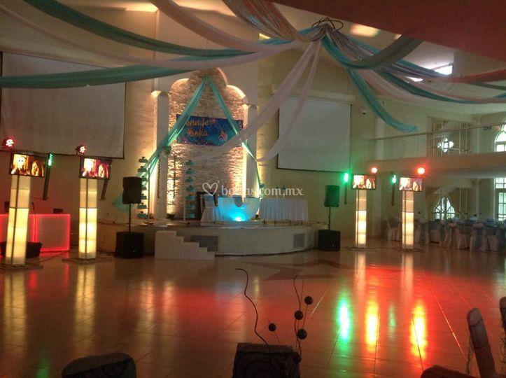 Escenario y pista de baile