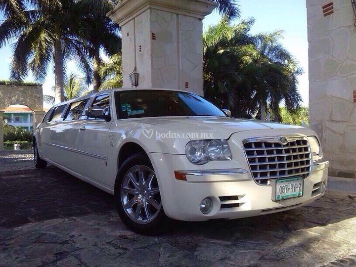 Limo Chrysler 300 CC
