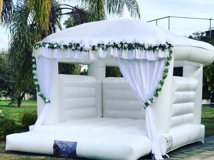 Brincolín blanco para boda