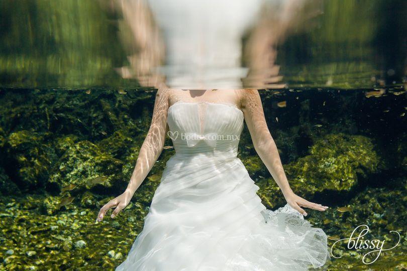 Trash the dress bajo el agua