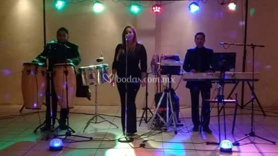 Grupo versatil serrato musical