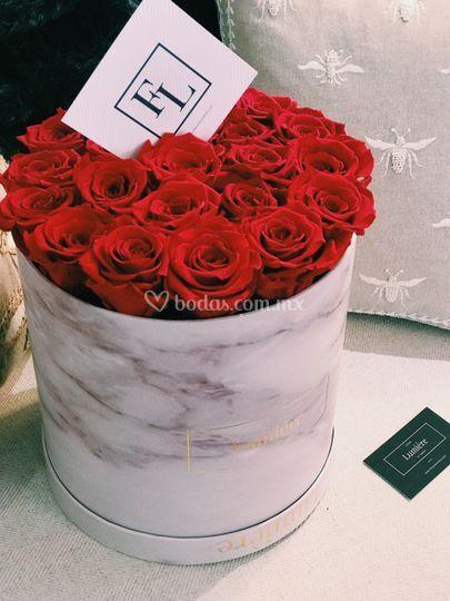 Rosas rojas con bouquete