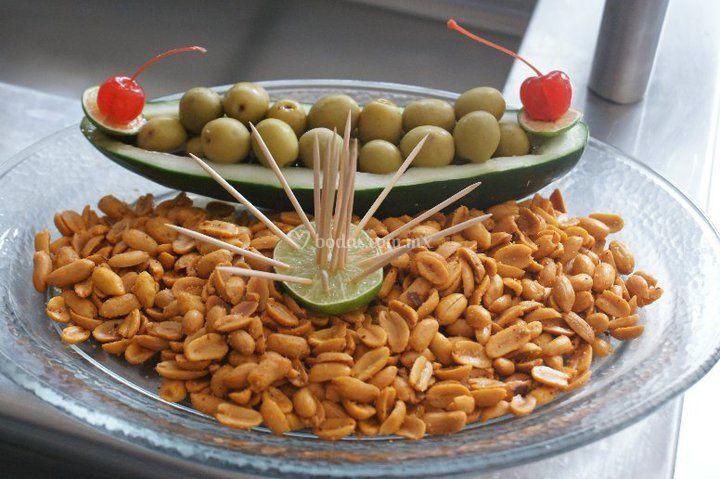 Cacahuates con aceitunas