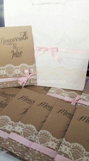 Invitaciones encaje rosa