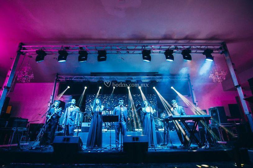Vista frontal de escenario