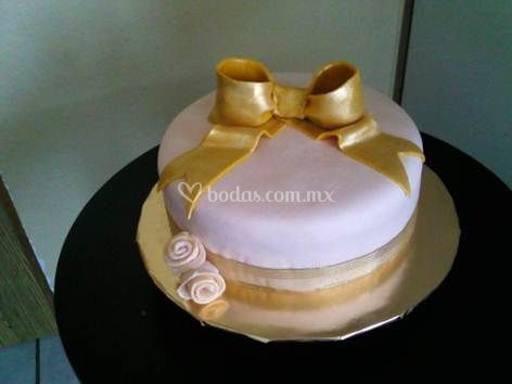 Aniverssary gold cake