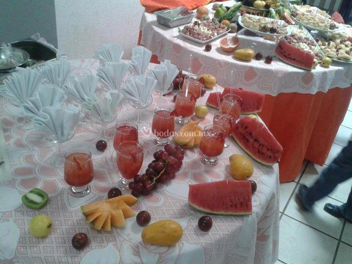 Bebidas y frutas