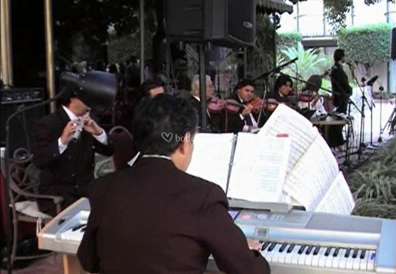 Orquesta/misa performance