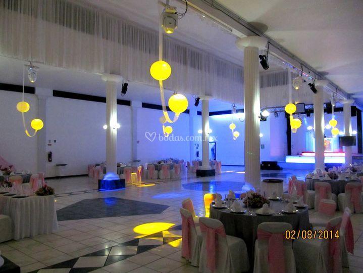 Luces de diamante sal n de eventos foto 49 - Luces para salon ...