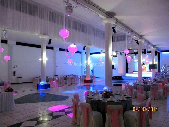 Luces de diamante sal n de eventos foto 50 - Luces para salon ...