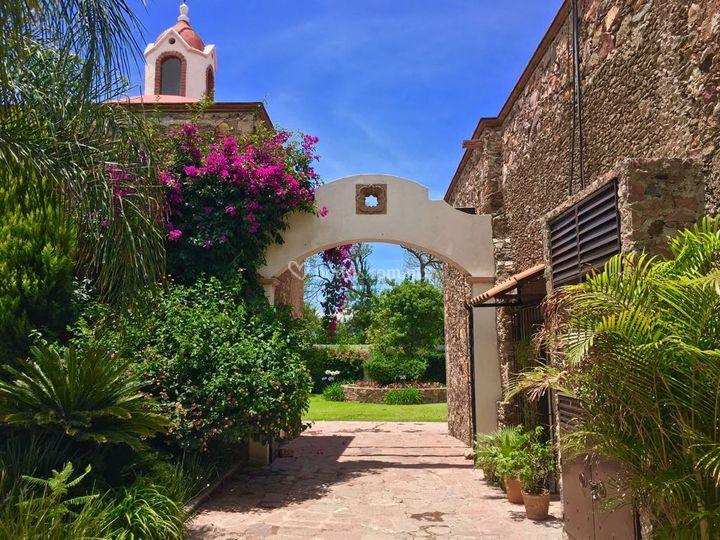 Hacienda Valencia HB