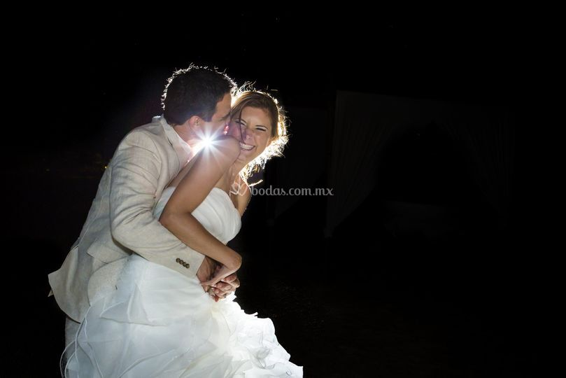 Ella y él