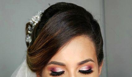 Nayeli Muñoz Makeup & Hair Studio