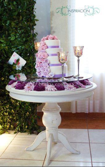 Decoración mesa pastel