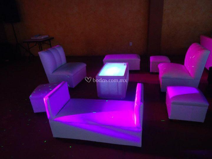 Sala lounge dentro del kiosko evento Antro Concept