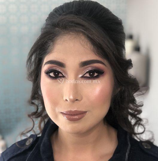 Kary Vega Make Up