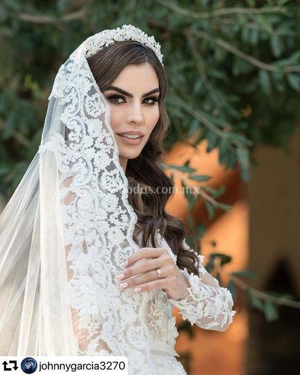 Tiara Cynthia de la Vega