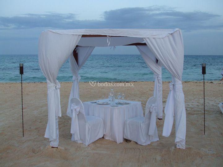 Mesa en la playa