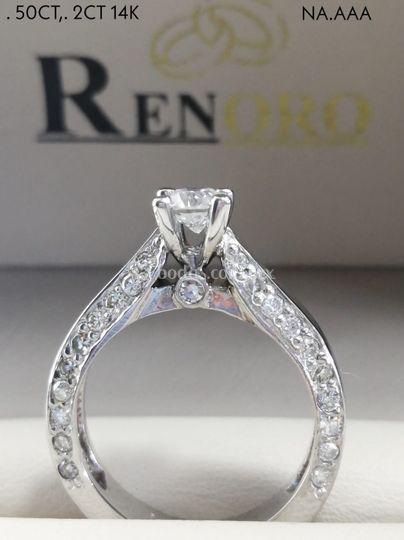 Hechura especial con diamantes