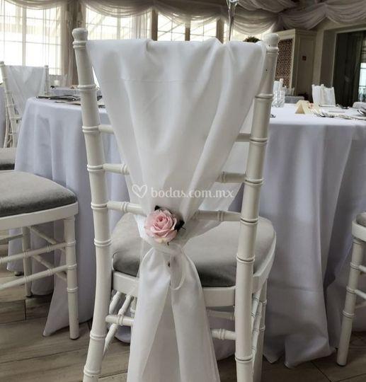 Silla tiffany boda con tela
