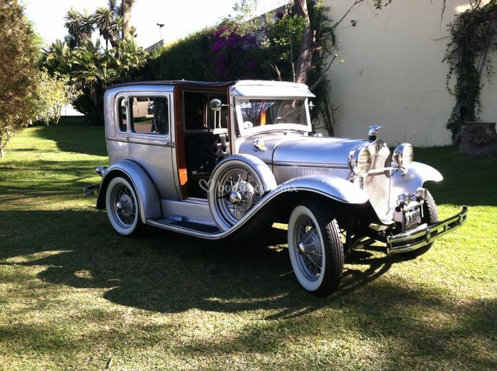 Ford 1928 towncar