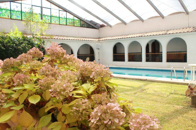 Jardín interior para 50 personas
