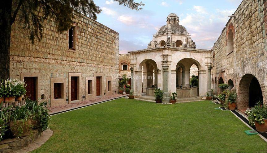 Jardín Los Lavaderos de Hotel Quinta Real Oaxaca