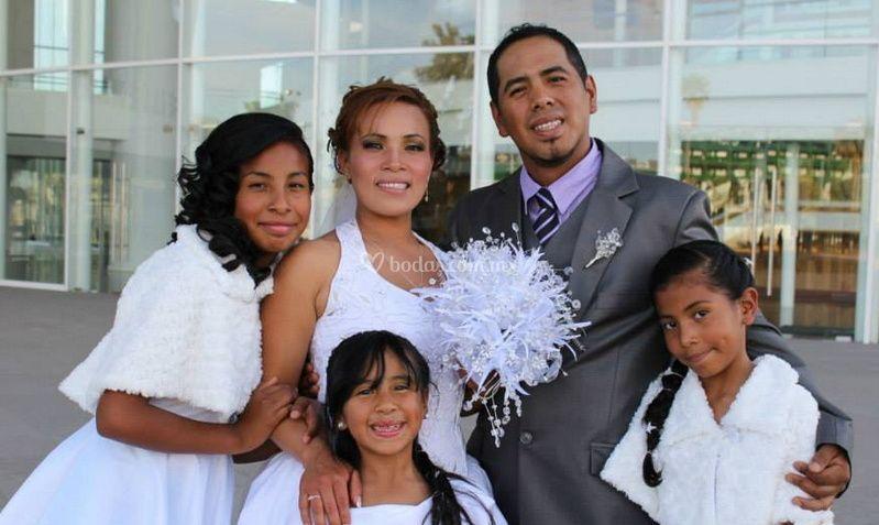 Los novios y la familia
