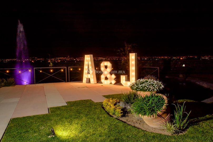 Allegra Events Letras Gigantes