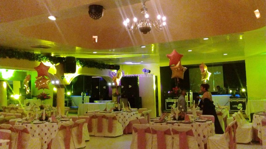 Decoración de mesas con globos