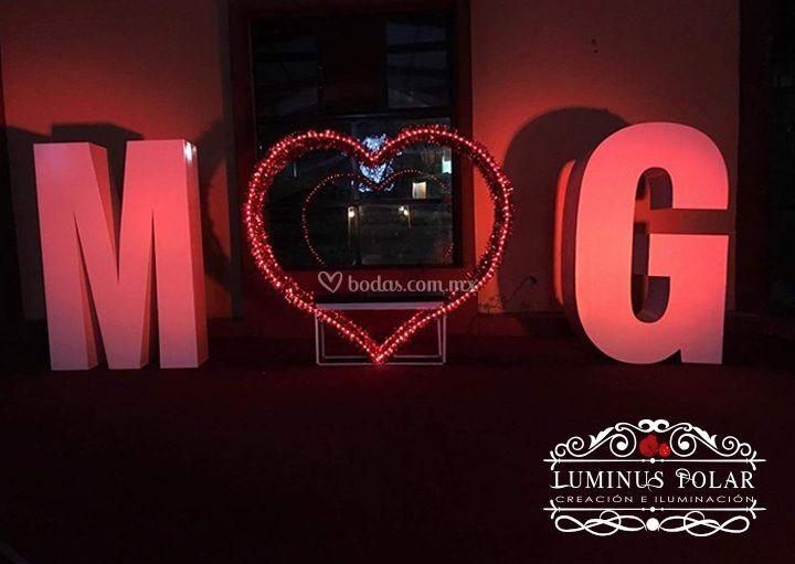 Letras gigantes con corazon