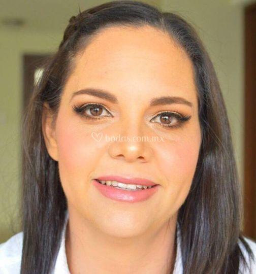 Novoa Make Up