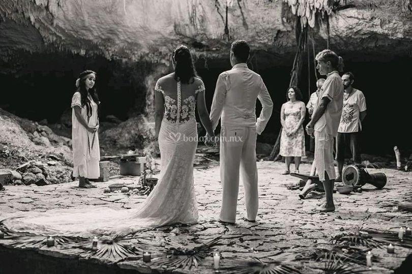 Ceremonia maya en su dialecto