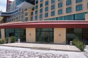 Crowne Plaza Hotel & Resorts