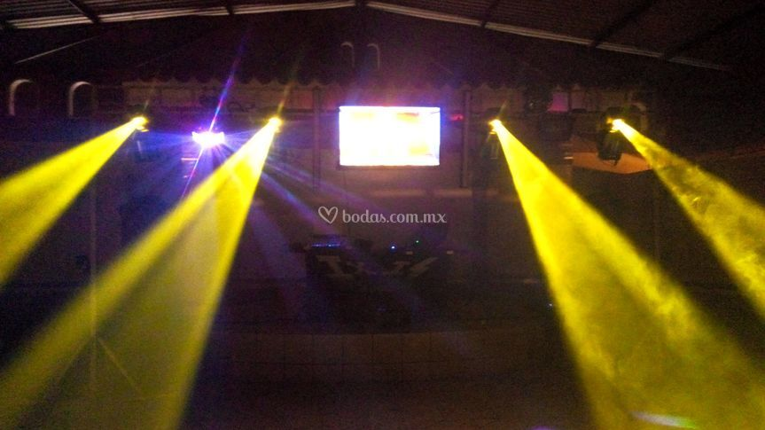 IxiS Audio e Iluminación