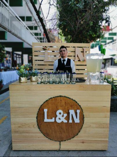 Festa - hipster bar table